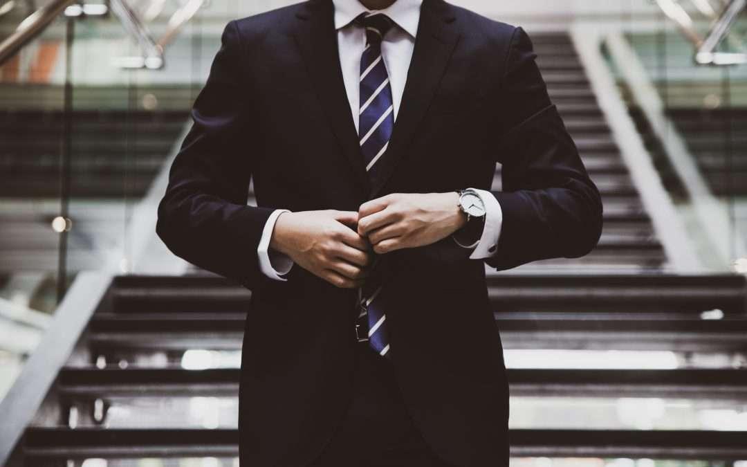 PROFESSIONISTI? // È ora di buttare giacca e cravatta